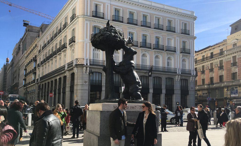 Bear and tree Puerta del Sol